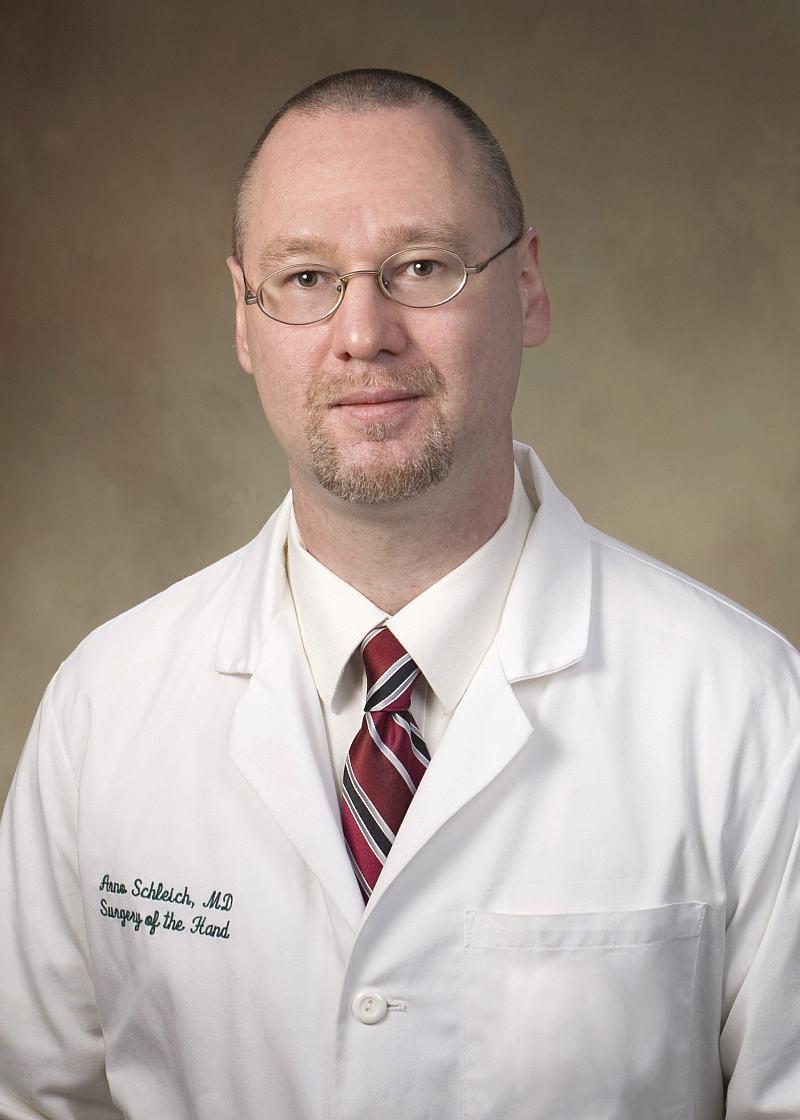 Dr Schleich - Cirujano Atlanta Liposuction